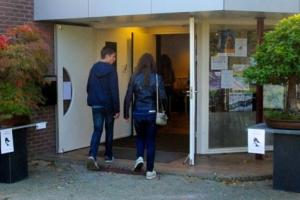 Bonsaitentoonstelling dorpshuis Tricht 2013
